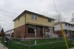Semi detached home in Oshawa